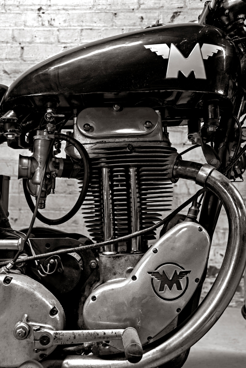 A running chronicle on custom motorcycles, hot rod…